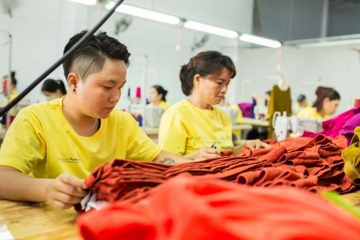 May dong phuc gia re hcm - công ty Thành Công áo thun